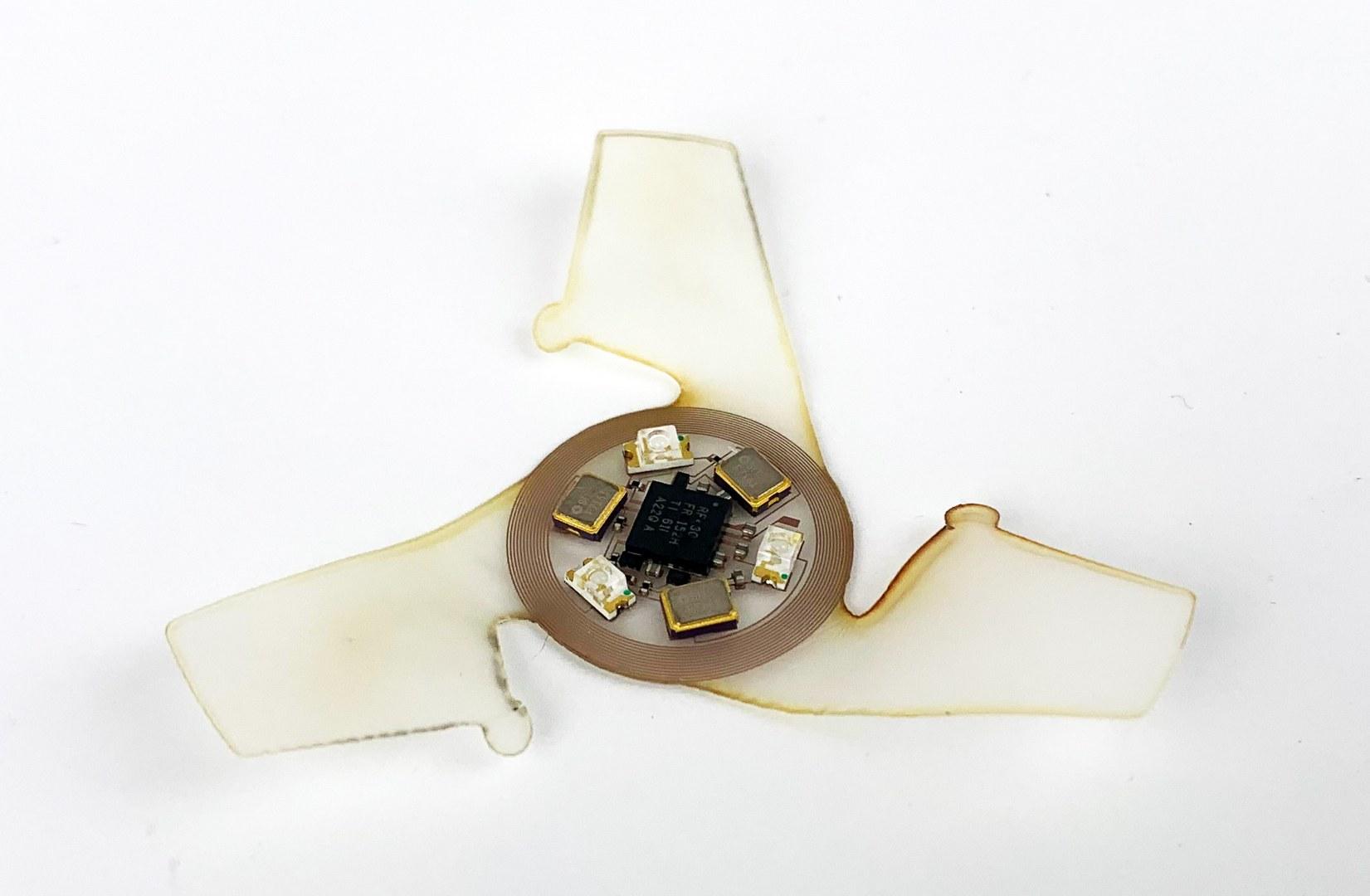 Инженеры создали микрофлаеры для мониторинга окружающей среды